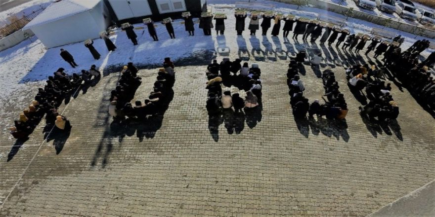 Kız öğrencilerden Filistin'e destek