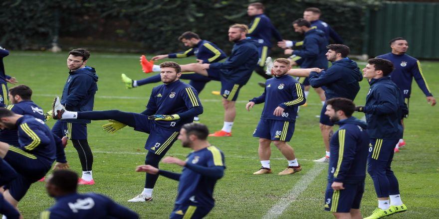 Fenerbahçe, Adana Demirspor sınavına hazır
