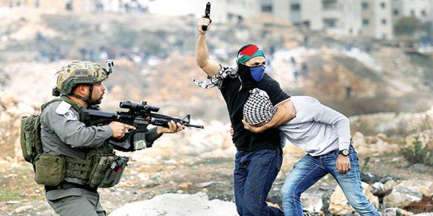 Kefiyeli, Filistin bayraklı İsrail ajanları