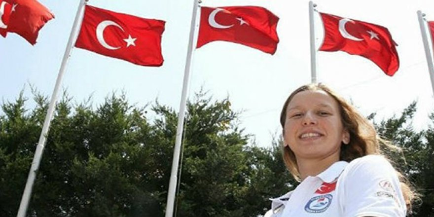 Galatasaraylı yüzücü finalde
