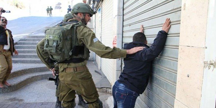 Down sendromlu Filistinli genç Türkiye'de