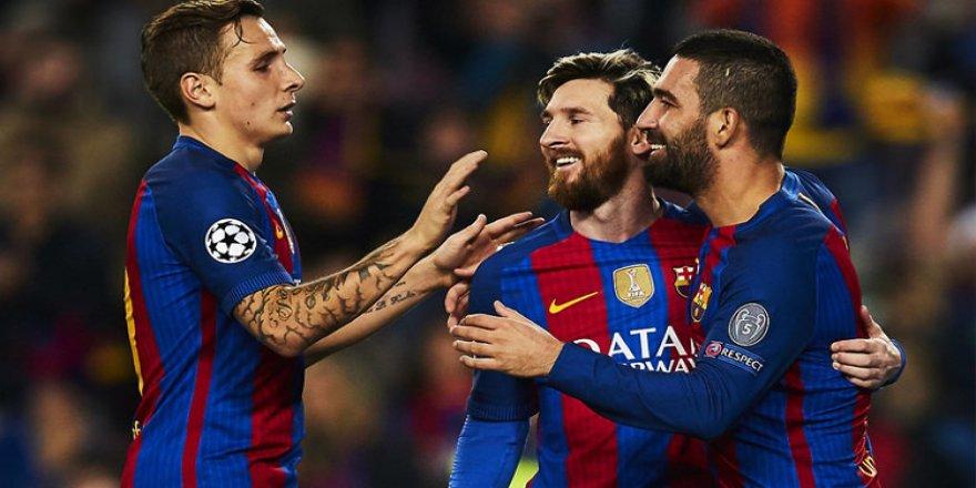 Messi'den Arda Turan'a veda