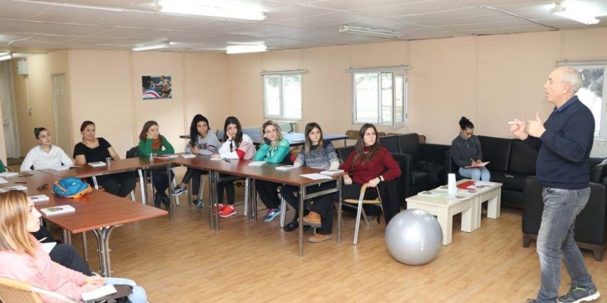 Antrenörlere sağlıklı yaşam semineri