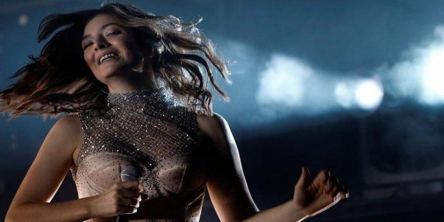 Ünlü şarkıcı İsrail konserini iptal etti