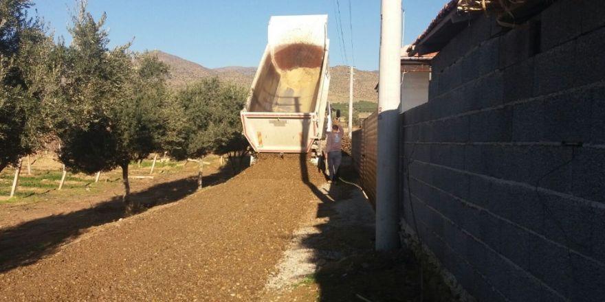 Alaşehir'de ekipler aralıksız çalışıyor