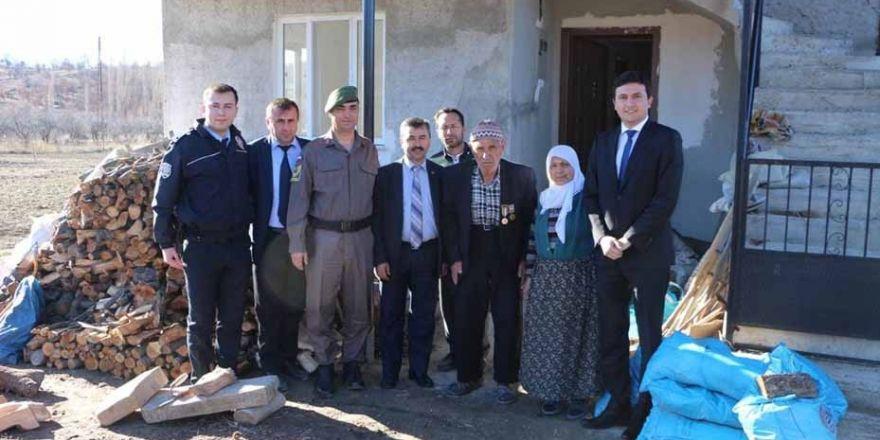 Kaymakam Gürsel Temurci, Kore Gazisi'ni ziyaret etti