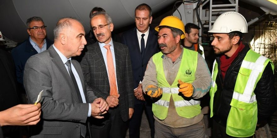 Vali Karahan Honaz tünellerinde incelemelerde bulundu