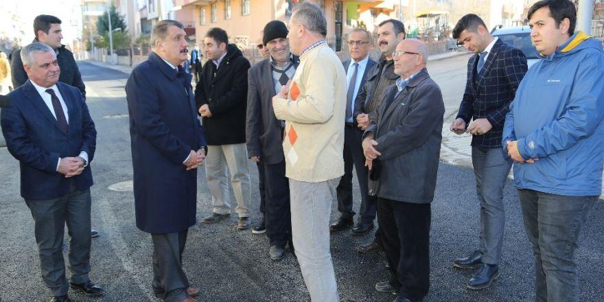 Başkan Gürkan, asfalt çalışmalarını yerinde inceledi