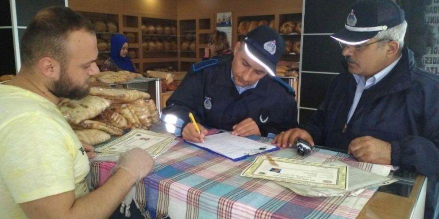 Darıca'da zabıtalar vatandaşların güvenliği için çalışıyor