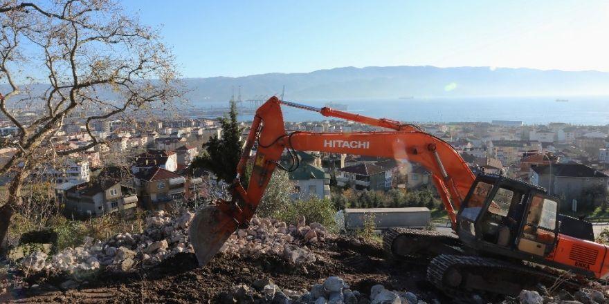 Körfez Belediyesi Otoban Üstü Camii için çalışma başlattı