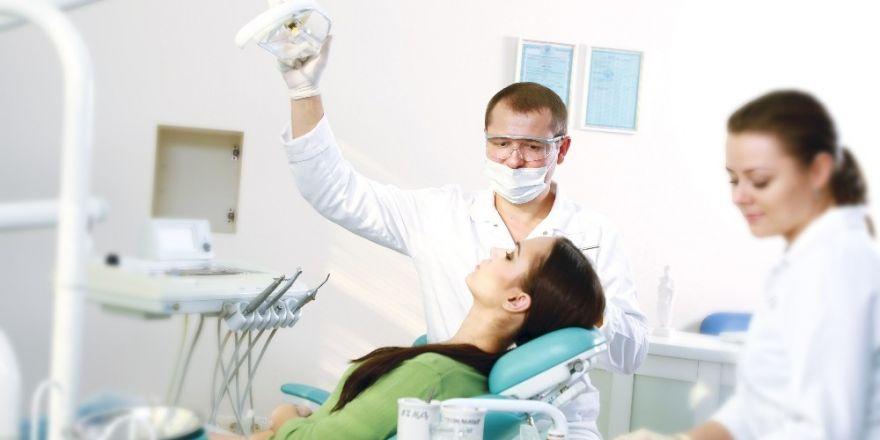 Diş hassasiyeti hakkında bilinmesi gereken 4 nokta