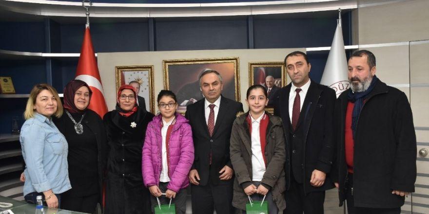 Öğrencilerden Başkan ve Milli Eğitim Müdürü'ne ziyaret