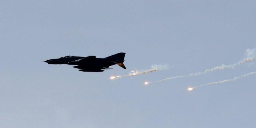 Suriye rejiminden İdlib'e hava saldırısı: 12 ölü