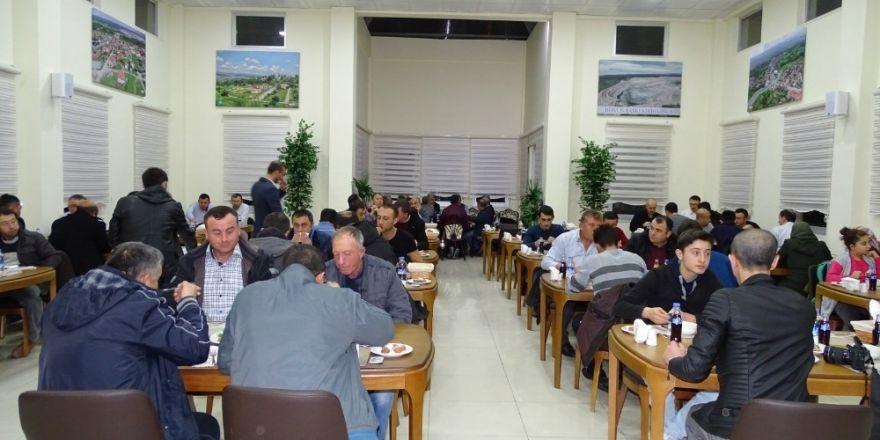 Belediye personeli yemekte buluştu