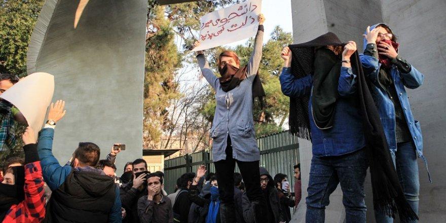 Hükümet karşıtı gösteriler 3 gündür sürüyor