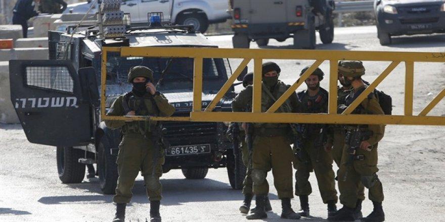 İsrail, Filistinli vekili gözaltına aldı