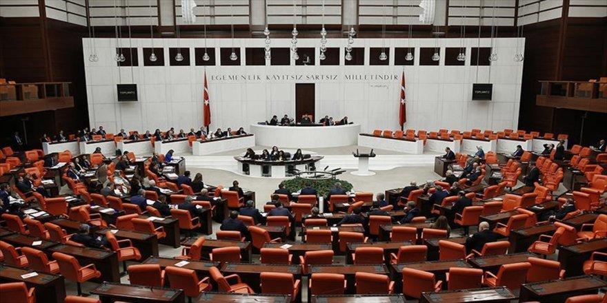Meclis bin 339 saat mesai yaptı