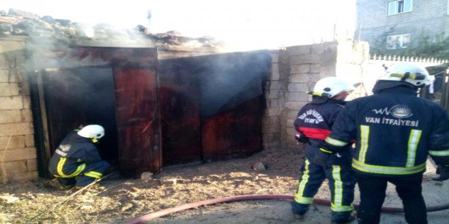 Van'da yangın: 5 yaralı