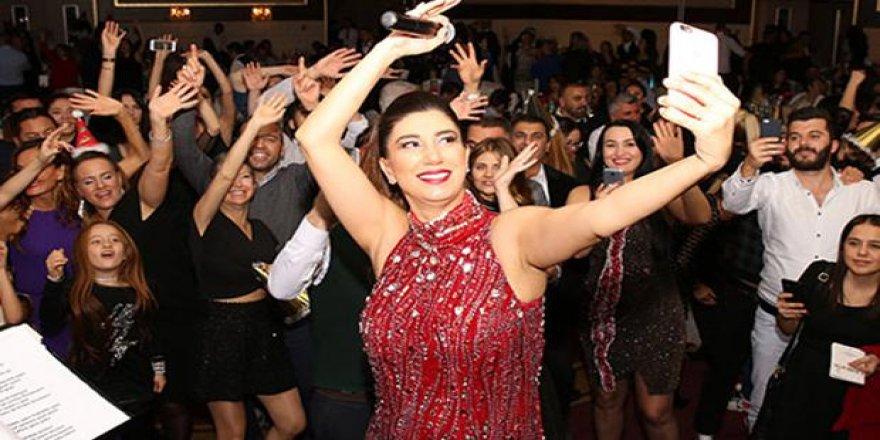 Nadide Sultan: Hamileyim