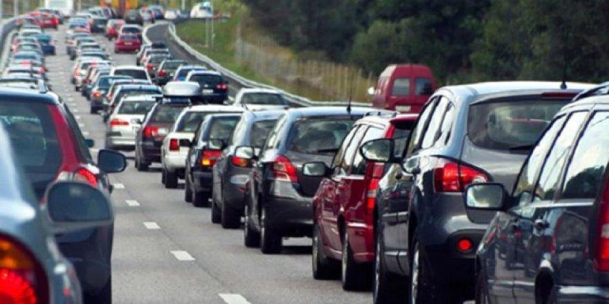 Antalya'da, trafiğe kayıtlı araç sayısı 1 milyonu geçti
