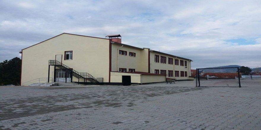 Dumlupınar'da 3 okula beyaz bayrak