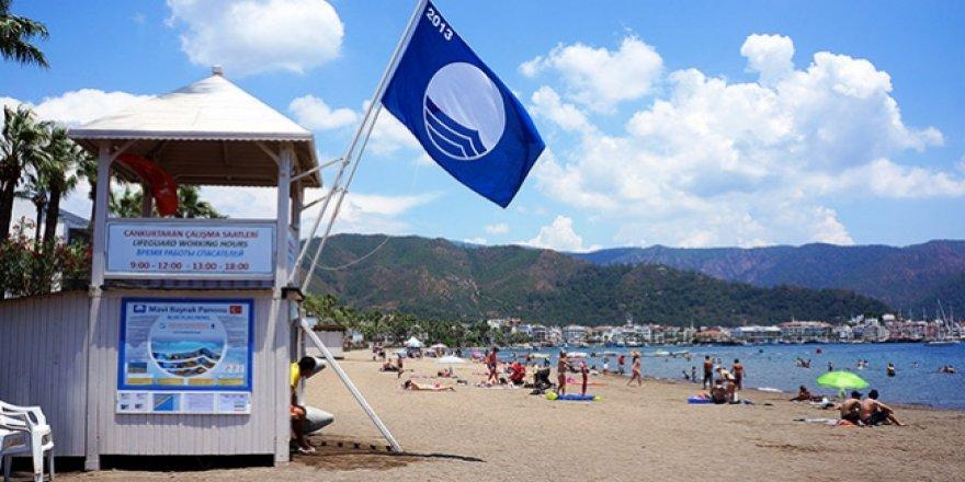 Mavi bayraklı plajda petrol atığı tepkisi