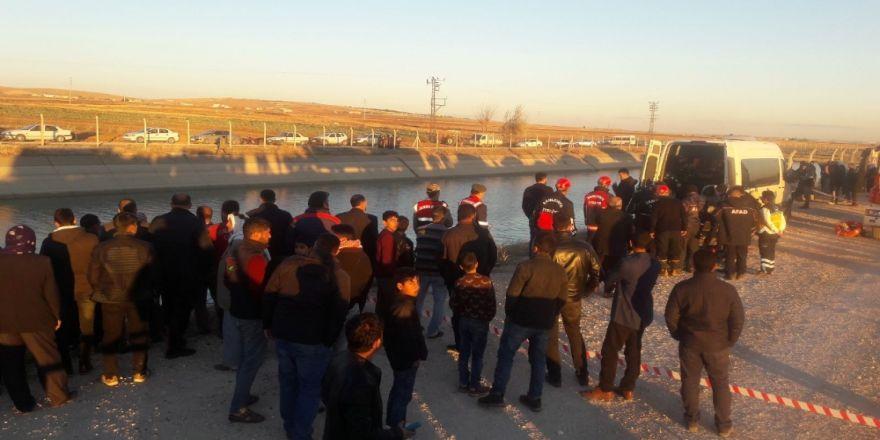 Otomobil sulama kanalına uçtu: 3 kişi kayıp