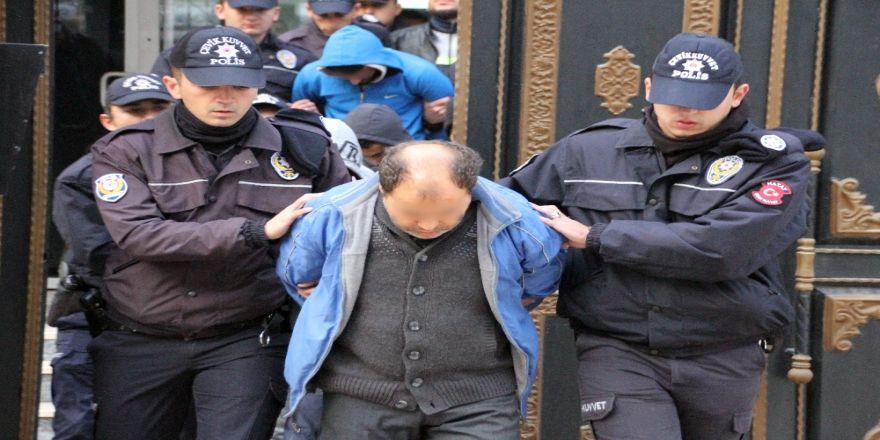 Çete operasyonu: 17 gözaltı