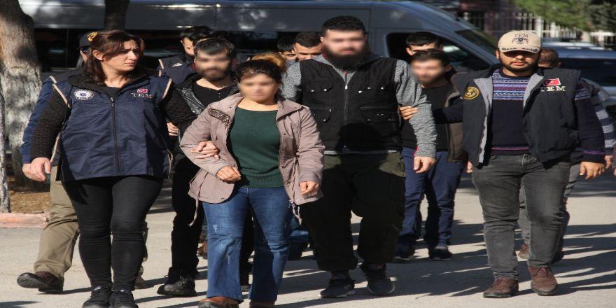 DEAŞ görünümlü PKK'lılar