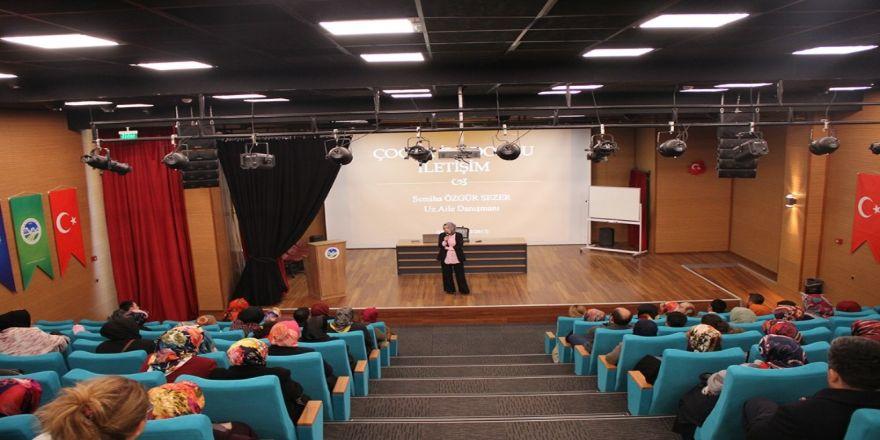 'Aile ve Çocuk' seminerlerinin ilki düzenlendi