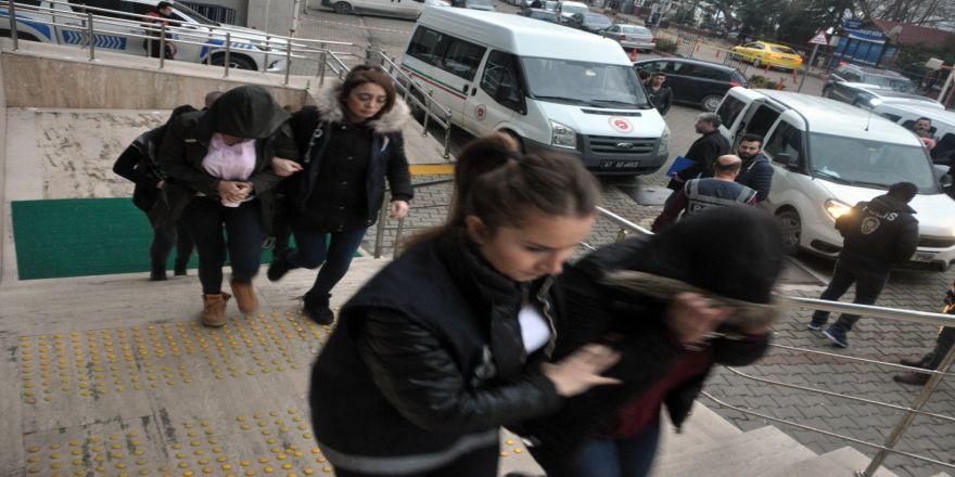 Binlerce lira dolandırdılar: Tutuklandılar