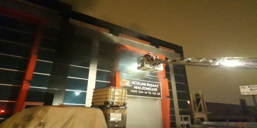 Başkent'te boya imalathanesinde yangın