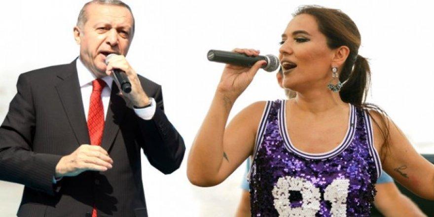 Erdoğan'ı gören Demet, kendinden geçti