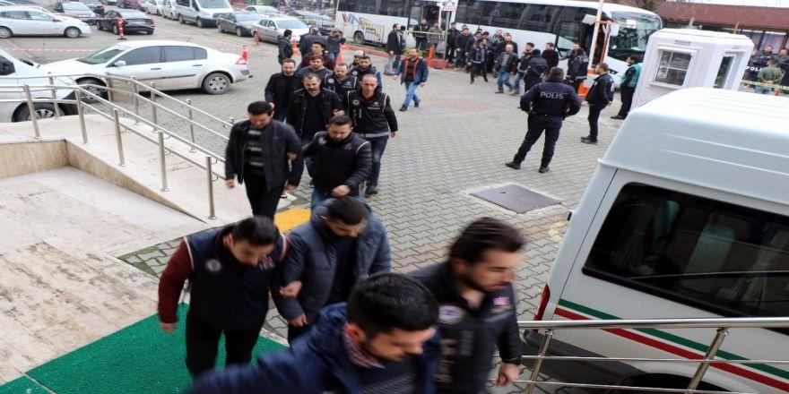 FETÖ/PDY soruşturmasında 24 asker adliyede