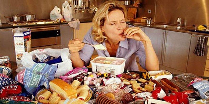 Depresyon duygusal yeme sendromuna sebep oluyor