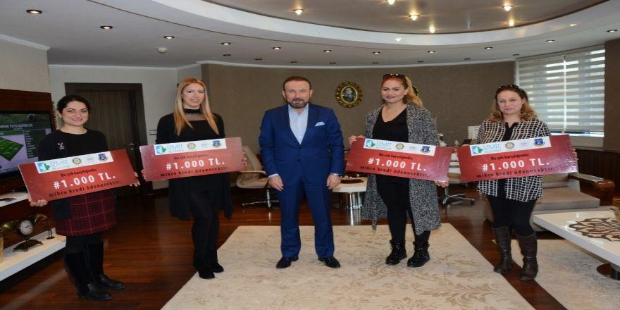 İzmit'te kadın girişimcilere 450 bin lira kredi verildi