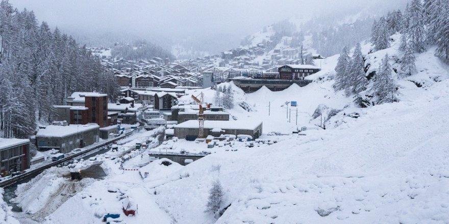 İsviçre'de 13 bin turist mahsur kaldı