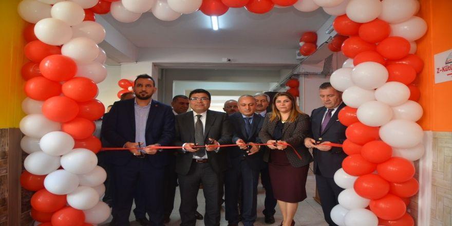 """Mezitli Viranşehir 75. Yıl Ortaokulunda """"Z kütüphanesi"""" açıldı"""