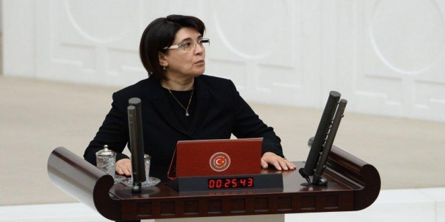 Leyla Zana'nın milletvekilliği düştü