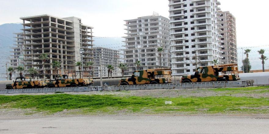 Sınır bölgesine askeri sevkiyat