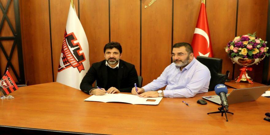 Gaziantepspor, Oktay Derelioğlu sözleşme imzaladı