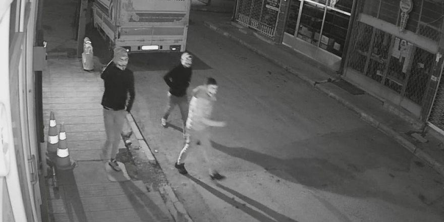 Polis, silahlı gaspçıları maskelerinden yakaladı