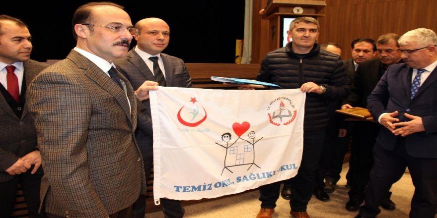 110 okula beyaz bayrak ödülü verildi