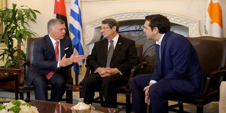 Güney Kıbrıs'ta üçlü zirve!