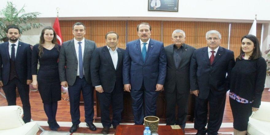 AK Parti'li başkandan Ticaret Borsası'na ziyaret