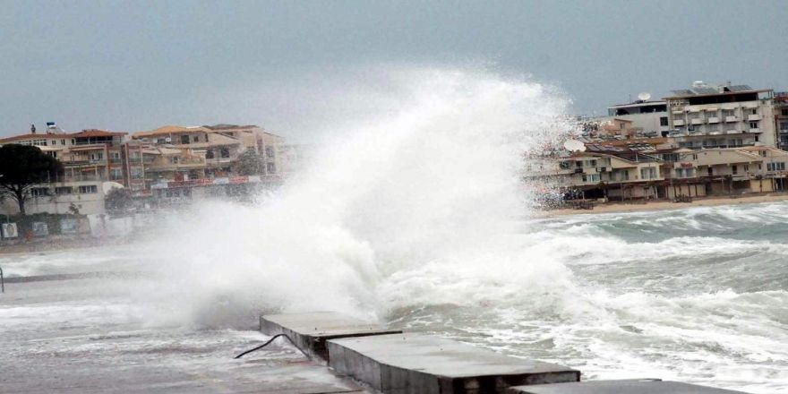 Marmara'da kuvvetli rüzgar ve fırtına uyarısı