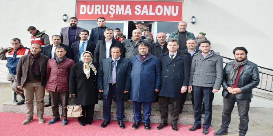 Başkan ve meclis üyeleri ile FETÖ davasını izledi