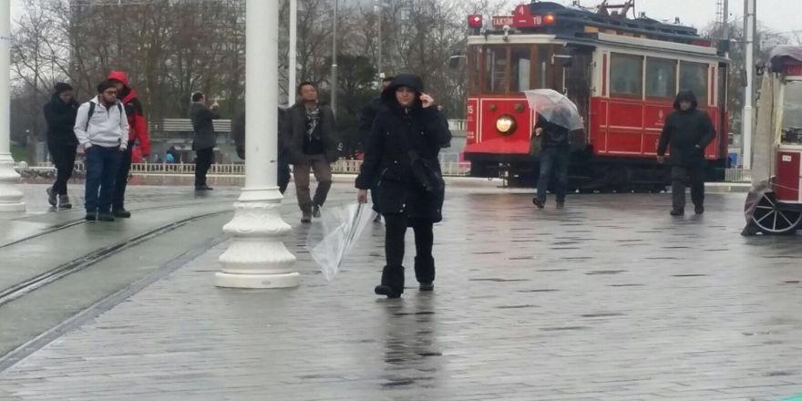 İstanbul'da sağanak ve lodos etkili oluyor