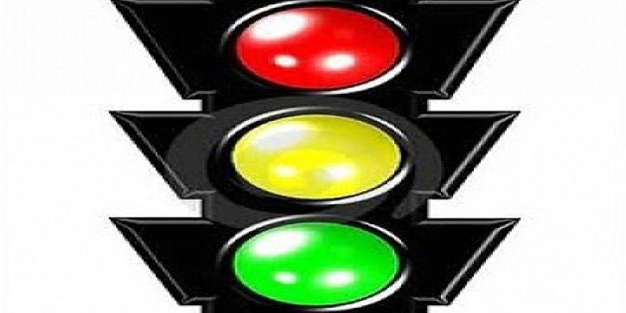 Öğrencilerin güvenliği için trafik ikaz sistemi!