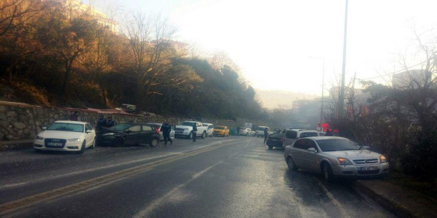 Dehşet verici kaza: 9 araç birbirine girdi!